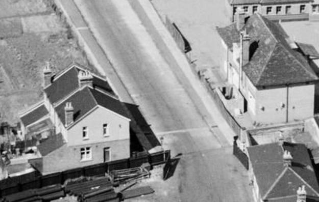 1947 aerial photo of  Osberton Terrace on left