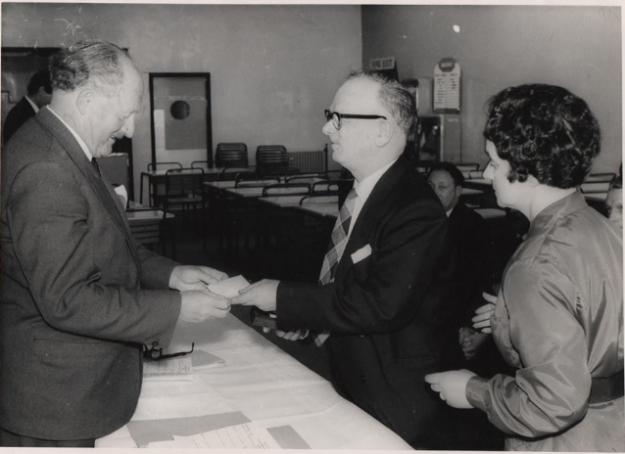 1969 Bill receives his long term service award