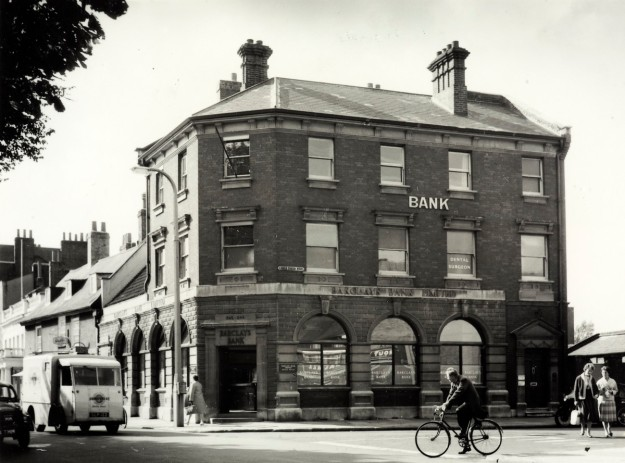 342 London Road. 1963 photo courtesy of Barclays Group Archives