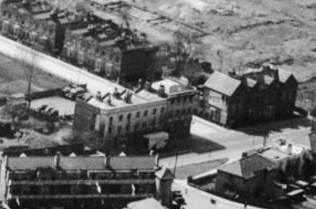 1947 aerial photo showing pub on corner